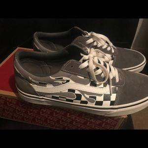 Flame Check Gray Vans